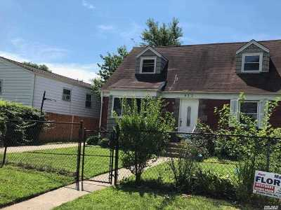Westbury Single Family Home For Sale: 952 Park Ave