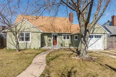 Long Beach Multi Family Home For Sale: 833 E Park Ave