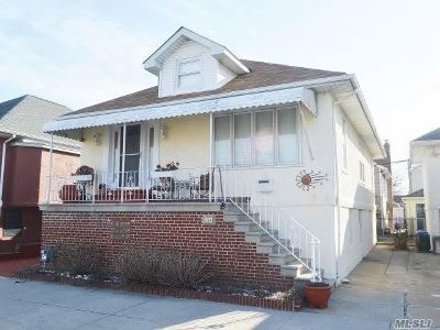 Long Beach Single Family Home For Sale: 140 Roosevelt Blvd
