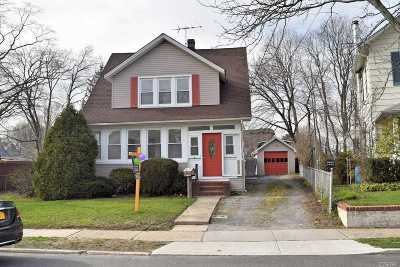 Westbury Single Family Home For Sale: 169 Butler St