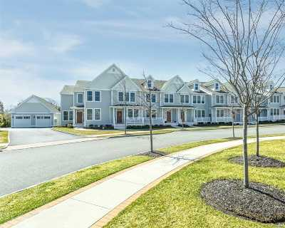 Westhampton Bch Condo/Townhouse For Sale: 405 Gettysburg Dr #405