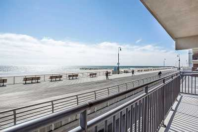 Long Beach Condo/Townhouse For Sale: 220 W Broadway #104