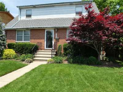 Oceanside NY Single Family Home For Sale: $599,000