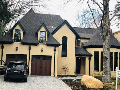 Oyster Bay Single Family Home For Sale: 838 Hilltop Rd