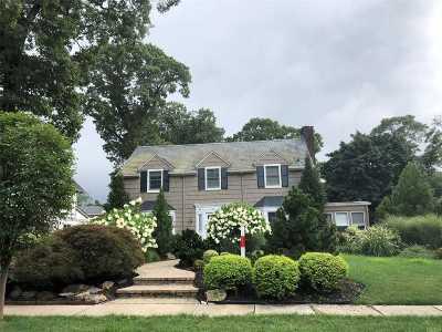 Rockville Centre Single Family Home For Sale: 74 Roxen Rd