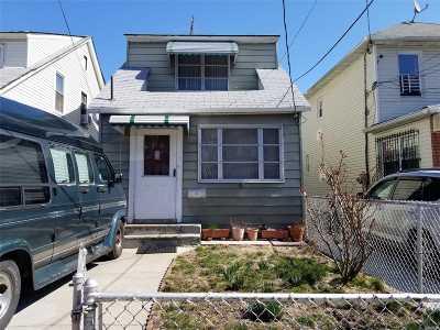 Corona Single Family Home For Sale: 47-55 98th Pl