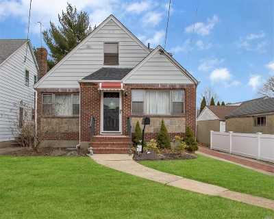 New Hyde Park Single Family Home For Sale: 514 S 10th St