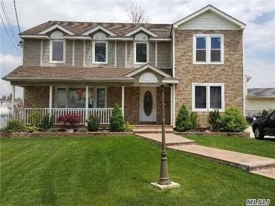 Oceanside Single Family Home For Sale: 175 Mott St