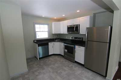Patchogue Single Family Home For Sale: 73 Fry Blvd