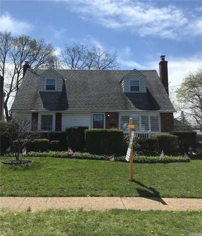 East Meadow Single Family Home For Sale: 2606 7th Ave