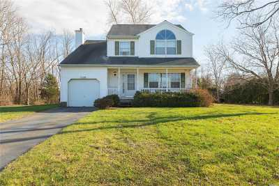 Jamesport Single Family Home For Sale: 61 Fox Ln