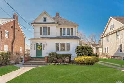 Rockville Centre Single Family Home For Sale: 146 Grand Ave