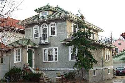 Long Beach Multi Family Home For Sale: 34 E Walnut St