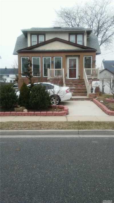 Freeport Single Family Home For Sale: 122 Westside Ave
