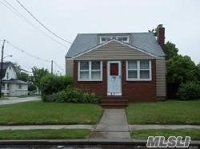 Freeport Single Family Home For Sale: 63 Shonnard Avenue
