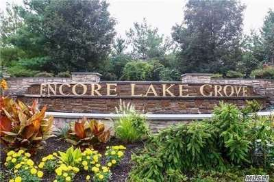 Lake Grove Condo/Townhouse For Sale: 184 Symphony Dr