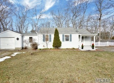 Hampton Bays Single Family Home For Sale: 6 Westbury Rd