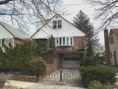 Whitestone NY Single Family Home For Sale: $928,000