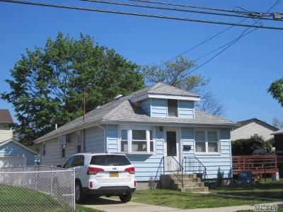 Single Family Home For Sale: 11 East Blvd