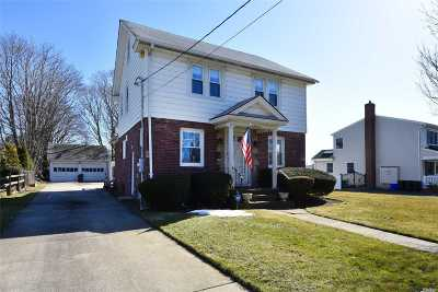 Freeport Single Family Home For Sale: 465 Southside Ave