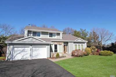 Commack Single Family Home For Sale: 6 Pine Meadow Pl