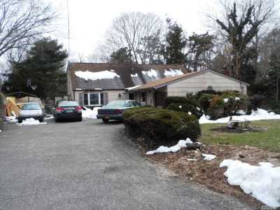 Ronkonkoma Single Family Home For Sale: 56 Teddy Ct