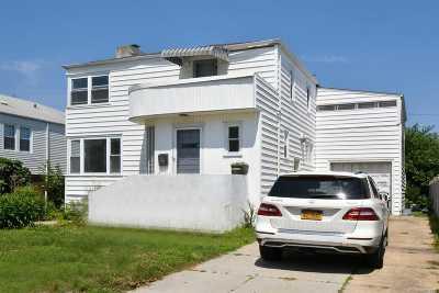 Long Beach Single Family Home For Sale: 225 E Penn St