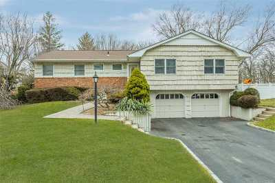 Hauppauge Single Family Home For Sale: 45 Sunflower Dr