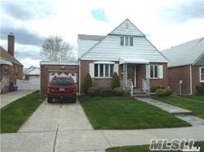 Bayside Single Family Home For Sale: 47-32 201st St