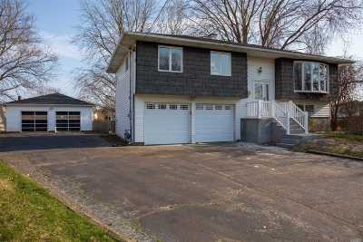 Brentwood Single Family Home For Sale: 35 Whalen Ct