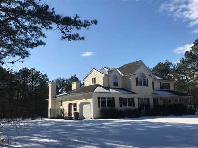 Manorville Single Family Home For Sale: 74 Freeman Rd