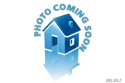 Westbury NY Single Family Home For Sale: $350,000