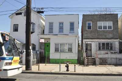 Brooklyn Multi Family Home For Sale: 321 Crescent St