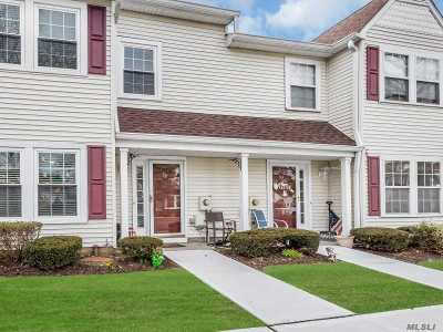 Farmingdale Condo/Townhouse For Sale