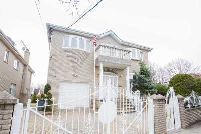 Bayside Single Family Home For Sale: 21302 29 Ave
