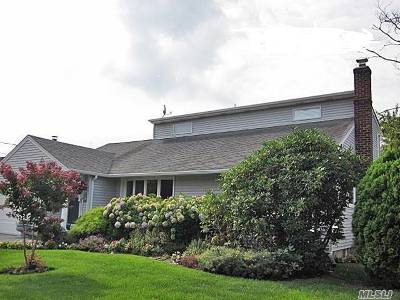 Oceanside Single Family Home For Sale: 530 Surrey Pl