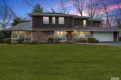 Roslyn Single Family Home For Sale: 26 Pebble Ln