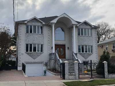Douglaston Single Family Home For Sale: 46-32 Douglaston Pky