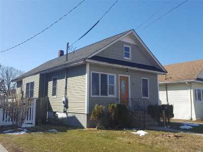Freeport Single Family Home For Sale: 533 Archer St
