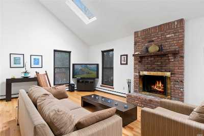 East Hampton Single Family Home For Sale: 33 Woodbine Dr