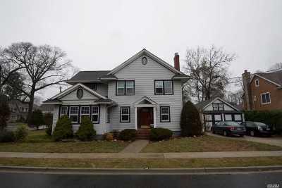 Rockville Centre Single Family Home For Sale: 47 Varick Ct