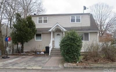 Huntington Single Family Home For Sale: 26 Healy St