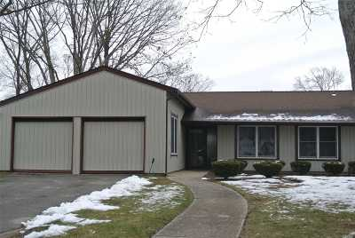 Stony Brook Single Family Home For Sale: 1 Birdseye Cir