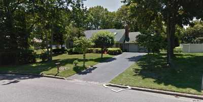 Stony Brook Single Family Home For Sale: 174 Sycamore Cir
