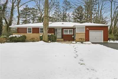 Port Jefferson Single Family Home For Sale: 28 Harbor Hills Dr