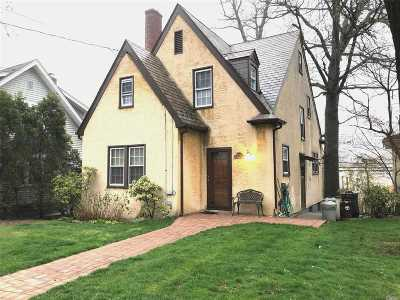 Little Neck Single Family Home For Sale: 45-91 Browvale Ln
