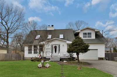 Medford Single Family Home For Sale: 16 Florida Ave