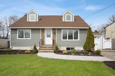 Oceanside Single Family Home For Sale: 3044 Xavier Pl