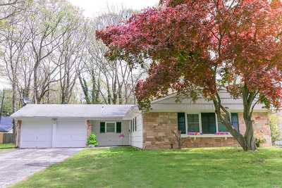 Stony Brook Single Family Home For Sale: 31 Sycamore Cir