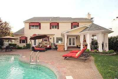 Nesconset Single Family Home For Sale: 20 White Cliff Ln